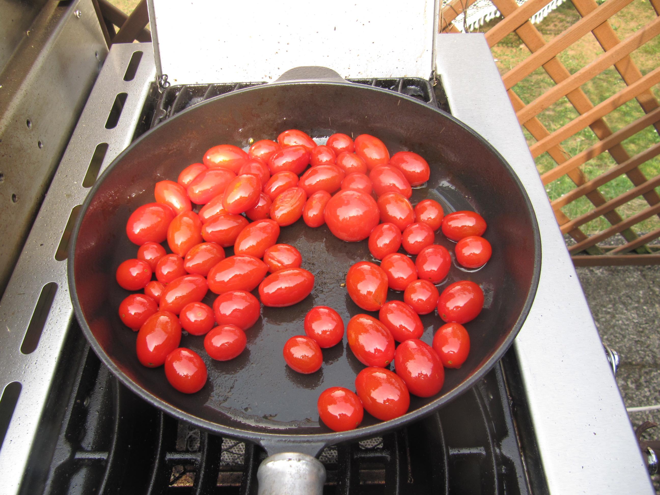 rezept nr 38 mein rib eye und rumpsteak am salzstein gegrillt mit karamellisierten tomaten. Black Bedroom Furniture Sets. Home Design Ideas