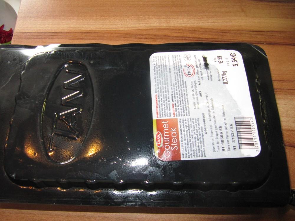 Rezept Nr. 44 : Mein Rib-Eye Steak mit Süßkartoffel-Wedges und gegrillten Zucchinischeiben. (3/6)